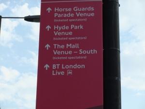 Buckingham Palace Road helpful sign