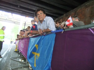Basque man (just seen), Basque flag, Canadian man